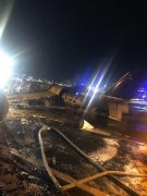 海运网一架载有医疗物资的小飞机在马尼拉机场冲出跑道