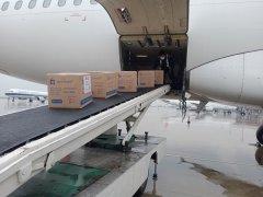 郑州空运公司常州机场全力保障援助荷兰防疫物资快速发运